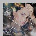 Norah Jones, Day Breaks (Limited Deluxe Edition inkl. Live-Album) -